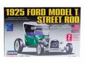 """Склеиваемая пластиковая модель автомобиля Hawk Lindberg 1925 Ford """"T"""" Street Rod 1:32"""